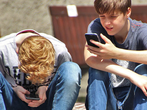 Mehr depressive Jugendliche: Smartphones nicht unschuldig