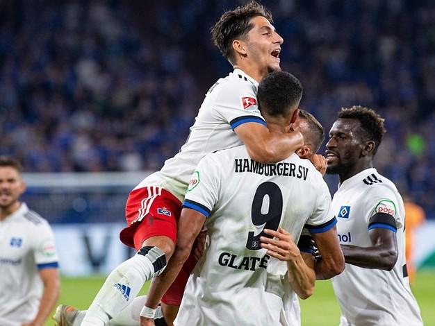 Zweite Bundesliga: Schalke verliert mit 1:3 gegen den HSV