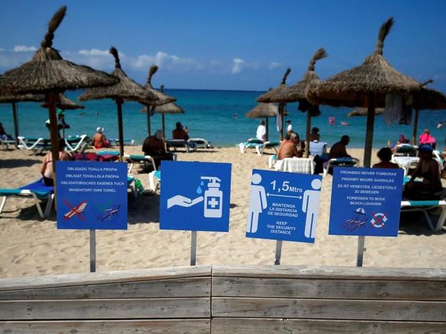 Mehr als 800 spanische Schüler nach Mallorca-Reise infiziert