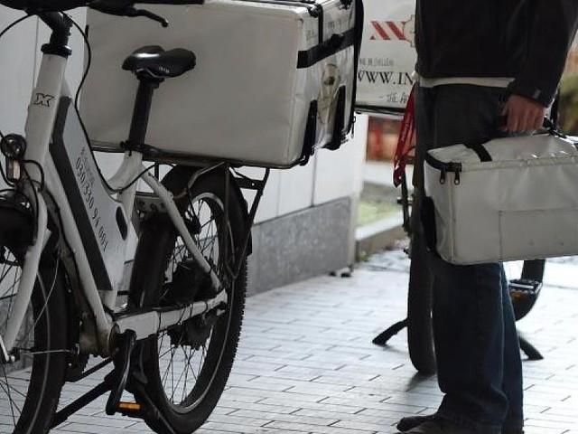 In Hamburg - Liefertasche klug eingesetzt: Trio versucht Pizzaboten auszurauben – vergeblich