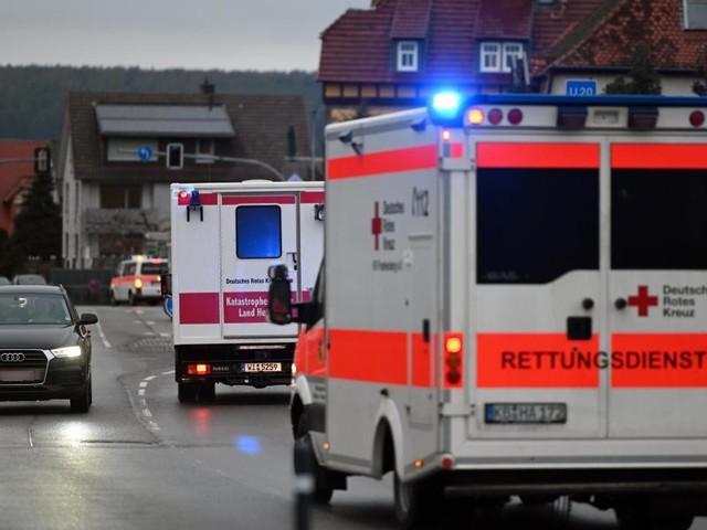 Polizei: Tat war Vorsatz: Auto fährt in Karnevalszug in Nordhessen:30 Verletzte