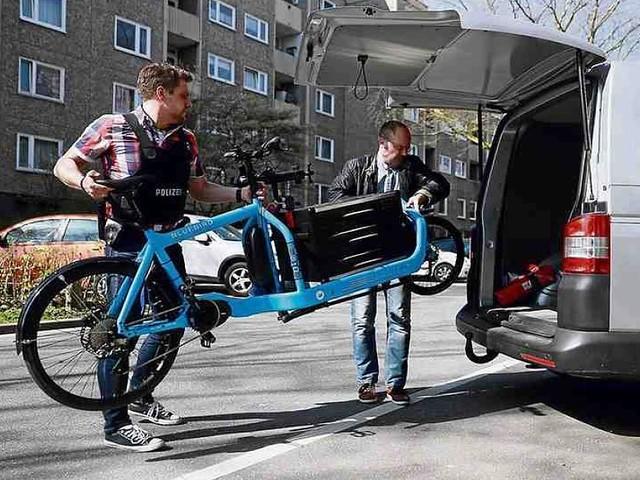Hamburg - Teures Lastenrad: Wie die Polizei einen Fahrrad-Hehler überführte