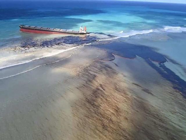Schiffsunglück vor Mauritius: Alarmierende Luftbilder – 1000 Tonnen Öl ausgelaufen