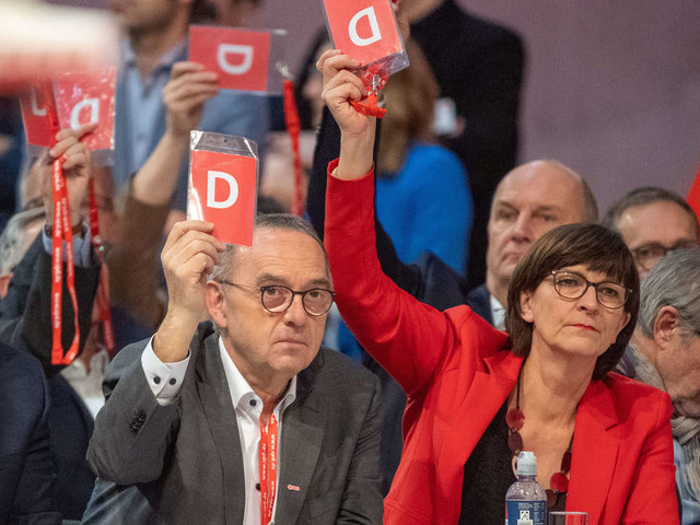 Bundesparteitag: SPD stimmt über sofortigen Austritt aus der GroKo ab - so lautet das Ergebnis