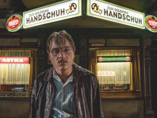 "Fatih Akins ""Der Goldene Handschuh"": Der erste lange Trailer ist online"