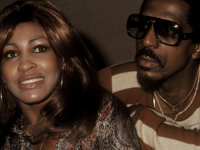 Tina Turner spricht über belastende Erinnerungen an brutale Ehe mit Ike