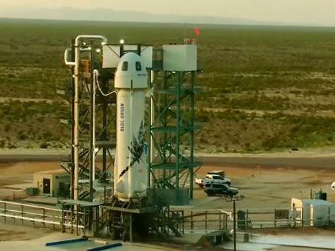 Bezos nach Weltraumflug wieder auf der Erde gelandet