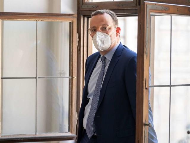 """Krisenmanagement von Jens Spahn: Rechnungshof moniert """"Überbeschaffung"""" von Corona-Schutzmasken"""