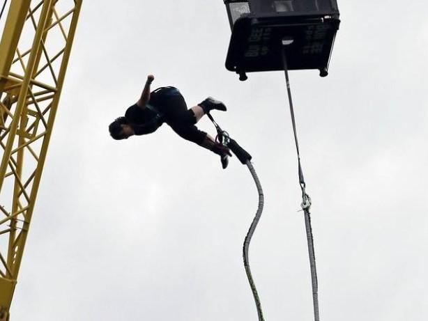Kolumbien: Frau stürzt bei Bungee-Sprung ungesichert in die Tiefe
