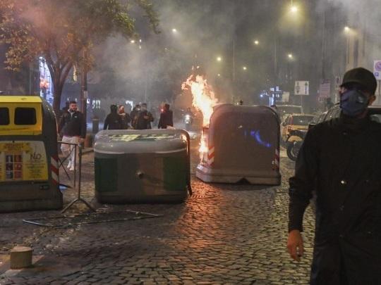Covid-19 - Erneut Ausschreitungen bei Anti-Corona-Protesten in Italien