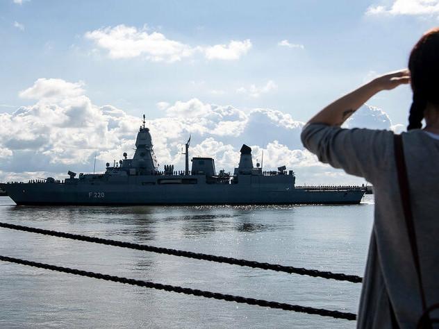 Verstöße gegen Libyen-Embargo: EU sanktioniert Waffenschmuggel