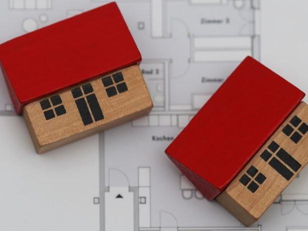 Wohnung kaufen: Gleichbleibende Preise für Eigentumswohnungen in Uhlenhorst.