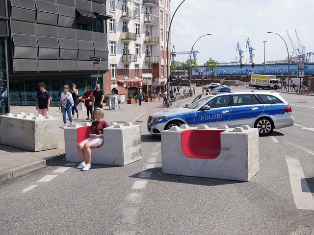 """Bento"" Anti-Terror-Betonblöcke in Sitzbänke umwandeln"