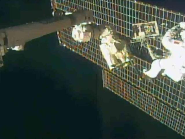 Außeneinsatz im Weltraum: Astronauten meistern komplizierte Reparatur an ISS in sechs Stunden