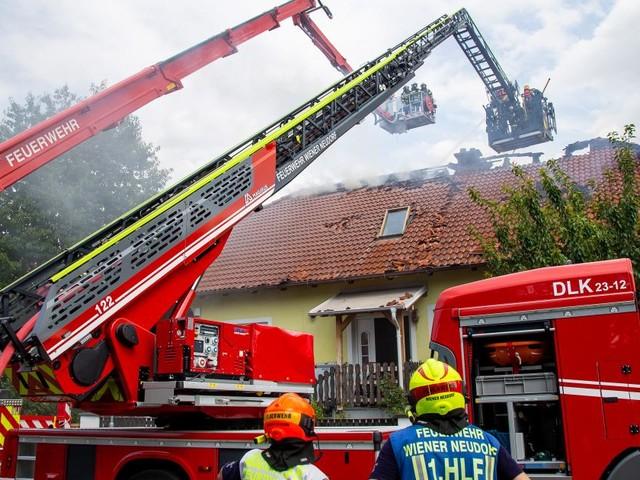 100 Feuerwehrleute bei Brand in Guntramsdorf im Einsatz