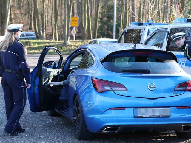 Kontrolltag der Polizei: 120 Verkehrsverstöße an einem Tag in Siegburg