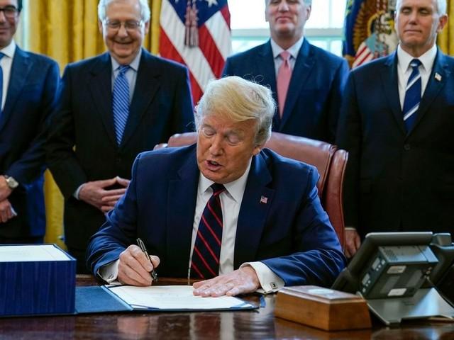 Trump unterzeichnet Billionen-Konjunkturpaket