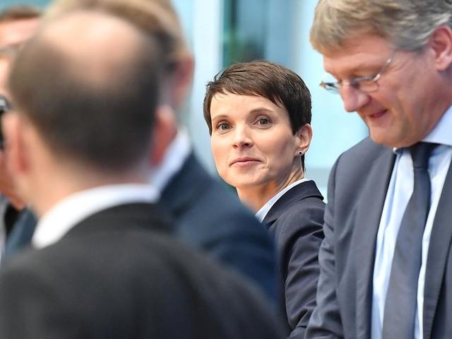 Bundestagswahl 2017 im News-Ticker - De Maiziere gibt Schulz die Schuld für AfD-Gewinne