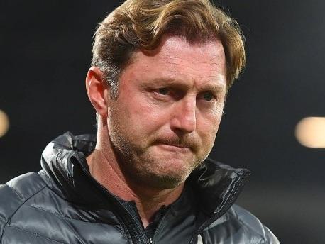 Obszöne Geste: Augsburg-Manager attackiert Hasenhüttl