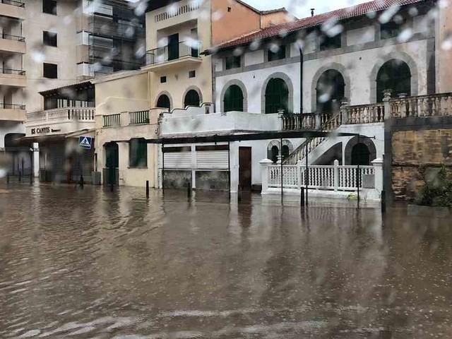 Unwetter in Spanien: Extremer Regen sorgt für Überflutungen in Barcelona und auf Mallorca