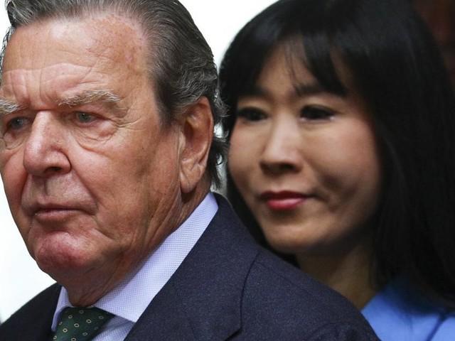 Gerhard Schröder muss Ex-Mann seiner Frau Entschädigung zahlen