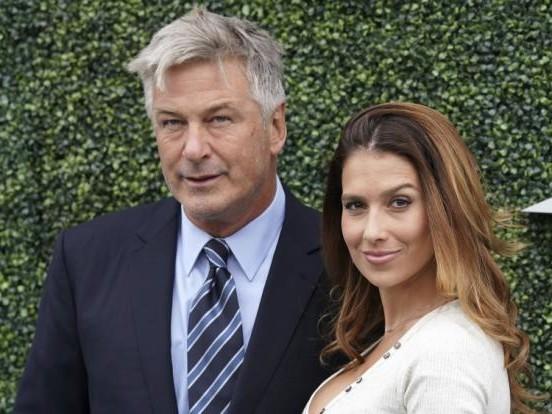 Nach Alec Baldwins Todesschuss: DAS sagt seine Ehefrau zum tödlichen Set-Drama