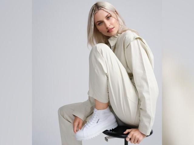 Lena Gercke: Warum sie am liebsten Sneaker trägt
