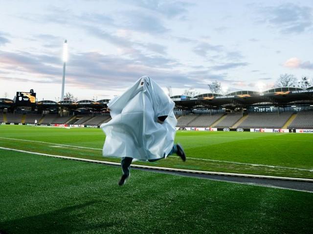 Fußball-Geisterspiele brachten weniger Streit und mehr Tore