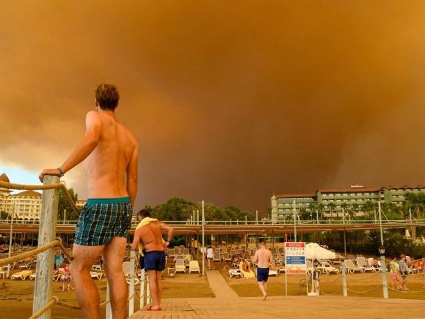 Türkei: Mindestens drei Tote bei Waldbränden in Antalya