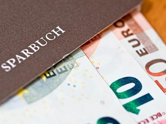 Banken schicken Kunden, die Sparbuch eröffnen wollen, wieder weg