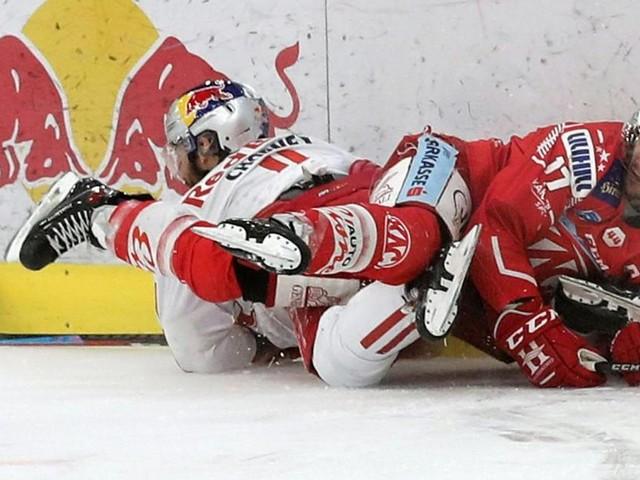 Corona-Streit: Heftiger Zweikampf vor dem Eishockey-Winter