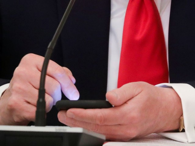 Donald Trump: Einen halben Tag Twitter-Sperre nach vier Jahren Zaudern