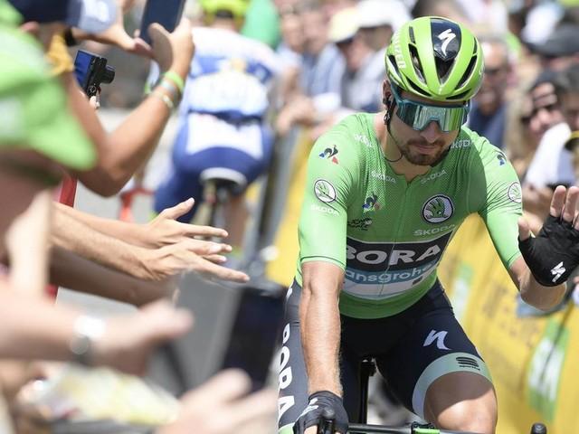 Sport kompakt: Kurioses Video: Radprofi Peter Sagan gibt Autogramme – während er sich den Berg hochquält