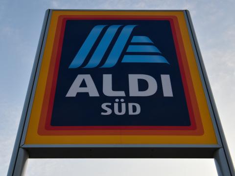 Aldi-Mitarbeiter testen neue Outfits: Sie sollen es dem Kunden leichter machen