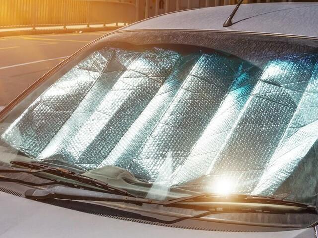 Parken, Tanken, Pflege: Wichtige Hitze-Tipps für Autofahrer