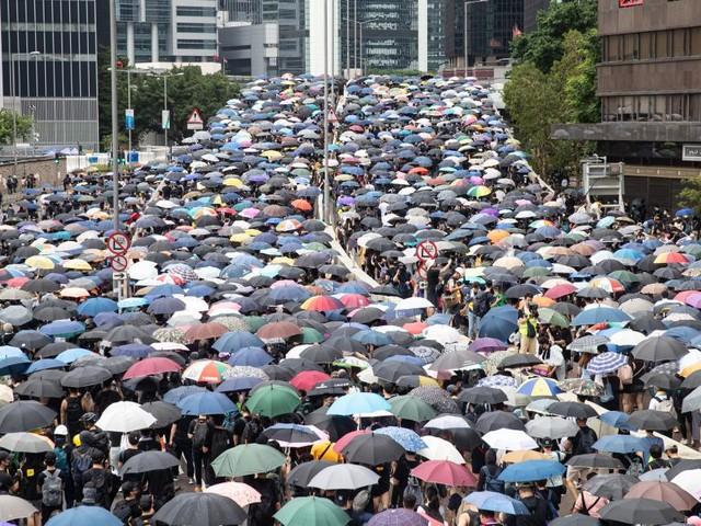 Über eine Million Demonstranten am Neujahrstag auf Hongkongs Straßen