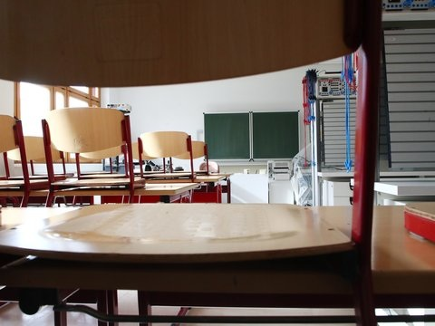 Eltern wollen wegen Unterrichtsausfälle gegenLand klagen
