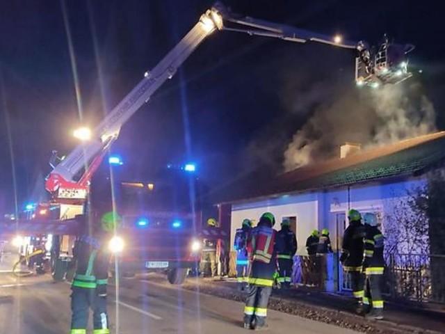 Zwei Verletzte bei Wohnhausbrand