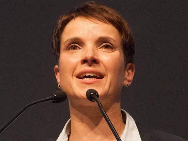 """Vor möglichen Neuwahlen: Frauke Petry will AfD-Parteiaustritt """"nicht so gemeint"""" haben"""