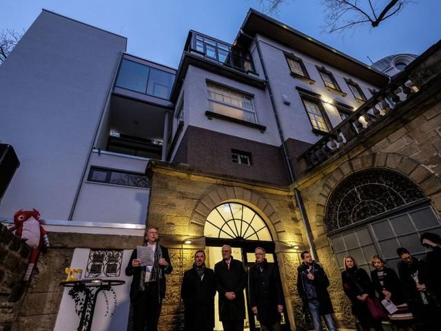 OB macht Hoffnung auf Zuschüsse für Stuttgart: Freude und Nachdenklichkeit bei Kinderhospiz-Eröffnung