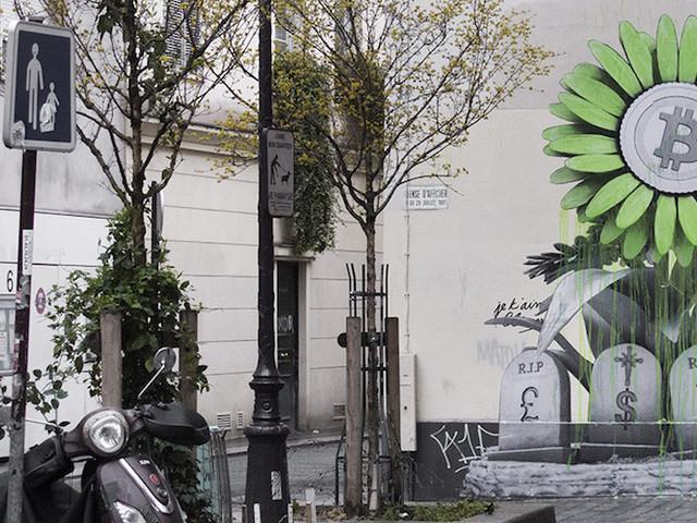 """""""R.I.P Banking System"""" – Künstler Ludo trägt konventionelle Zahlungsmittel in Paris zu Grabe"""