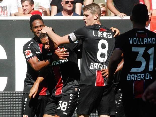 Bundesliga: Freiburg und Bayer siegen erneut - Baumgart sieht Gelb