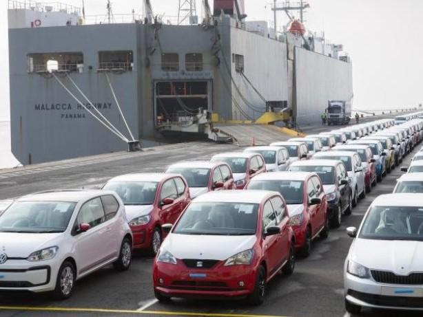 Handelsstreit kühlt sich ab: Autobauer atmen auf: Trump lässt bei Zöllen locker