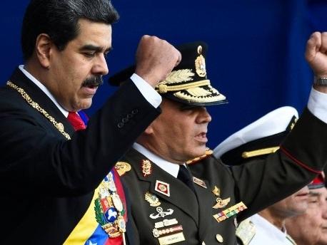 Machtkampf in Venezuela: Militär stützt Maduro weiterhin
