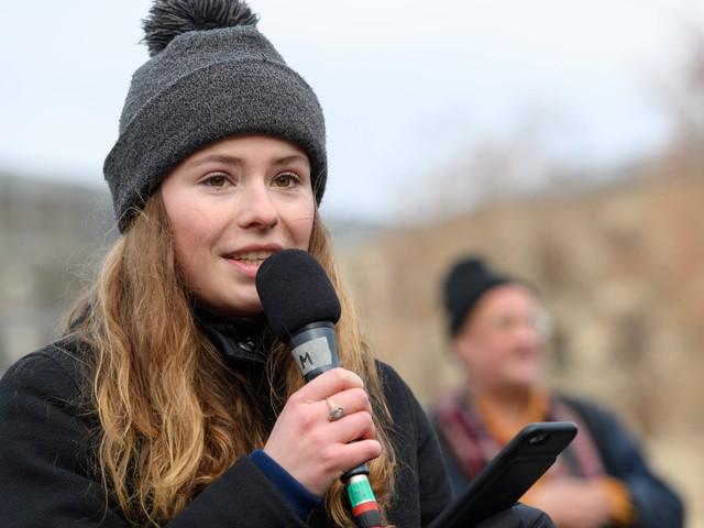 """Aktivisten stellen """"Klimaklage"""" vor: """"Es geht um unser Leben"""""""