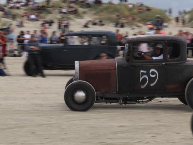 Süchtig nach Speed: Schnelle Rennen auf Salz und Sand