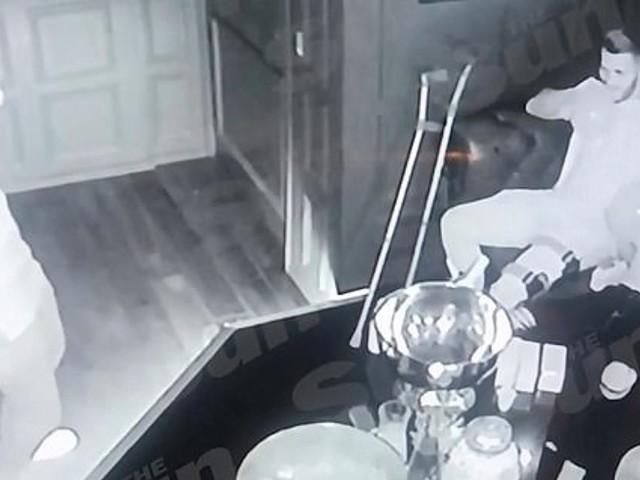 Mesut Özil - Nachtclub-Vorfall: Video zeigt Arsenal-Stars bei Lachgas-Party