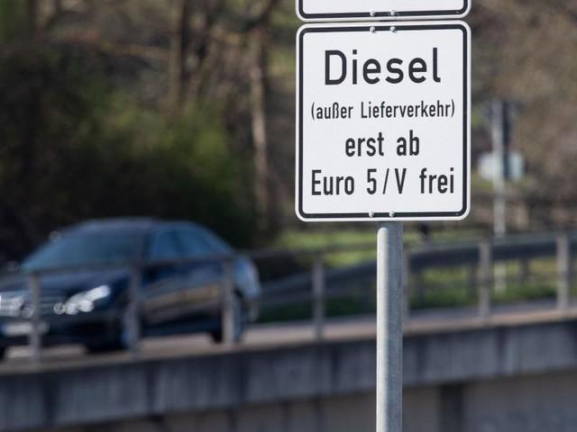 Luftreinhalteplan rechtswidrig: Urteil: Köln muss vier Straßen für Diesel sperren