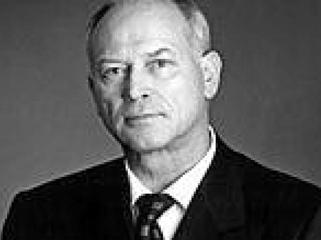 """Josef Wund stirbt bei Flugzeugabsturz - Das bewegte Leben des """"Bäderkönigs"""""""