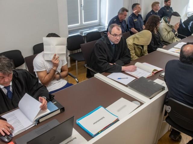 Gefährliche Körperverletzung: Einigung im Prozess um Prügelattacke in Amberg